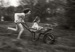 A család - Alain Laboile fotókiállítása Budapesten