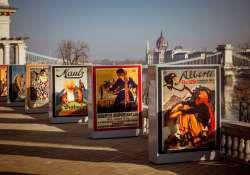 Mesél az utca – Különleges plakátgyűjtemény látható a Várkert Bazár teraszán