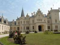 10 gyönyörű kastély a főváros környékén