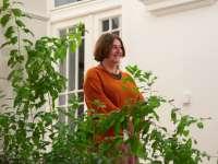 A botanikától a lelki tanácsokig - Képmás-est Saly Noémivel