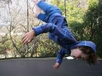Óvatosan a trambulinon!