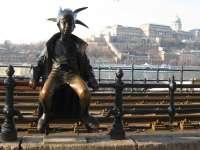 Királylány a korzón - Meseszobrok Budapesten