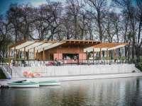 Csónakázás az Orczy parkban
